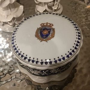 Accents - Classic Holiday Gift for Your Royal Highness!